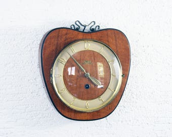 Clock Apple guarantor