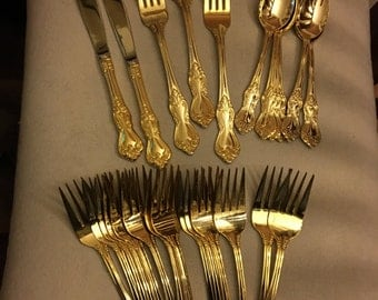 1960s Reed & Barton Golden Marlborough (Gold Electroplate) Assorted Pieces (knives, dinner forks, salad forks, teaspoons)