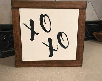 XO XO - Hugs and Kisses Mini Painted Sign