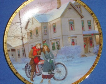 """Under the Misletoe Harley-Davidson® """"Holiday Memories"""" Collector's Plate 1994 (JVM)"""