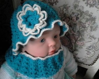knitted CAP and loop for children in turquoise