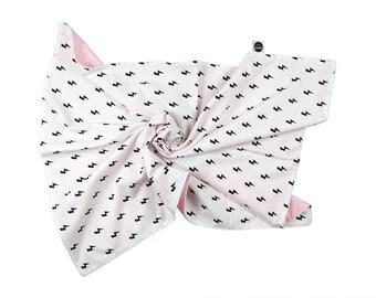 Baby Blanket / Monochrome Crib Blanket / Pastel Pink Blanket / Monochrome Blanket / Nursery Bedding / Crib Blanket /Lighting Kids Room Decor