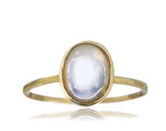 Moonstone Cabochon Ring White Gold