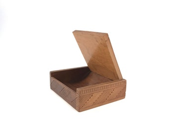 Vintage Wooden Jewelry Case // Wooden Box // Hand Carved //