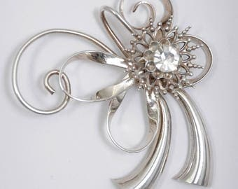 Vintage Sterling Brooch with Diamond Shaped Hinged Stone in Center, weight 14.9 grams