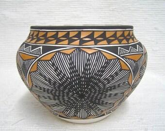 Native American Acoma Handpainted Traditional Bowl