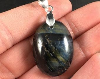 Beautiful Oval Shaped Blue Tiger's Eye Jasper Stone Pendant Necklace