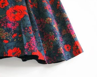 Vintage 80's Midi Skirt in Winter Floral