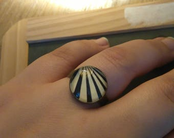 retro black and white ring