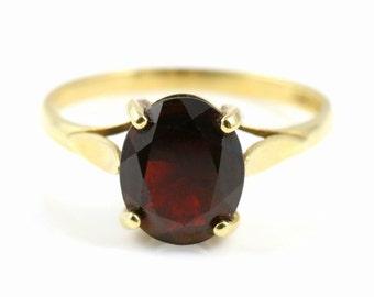 Large 9ct Gold Vintage Garnet Ring