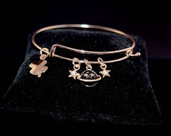 Lucky Stars and Planet Bangle Bracelet - Rose Gold - Charms - Stars - Crystal - Four Leaf Clover - Planet - Geeky Jewelry - Gifts for Her