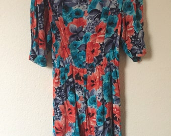Flower patterned 80s tea dress