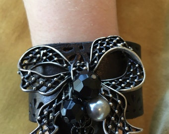 Black Heart Vintage Jeweled Leather Cuff, Cuff Bracelet for Women, Jeweled Cuff, Free Shipping