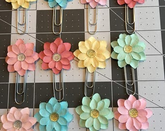 Paper flower clips
