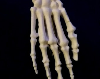 Barrette skeleton hand