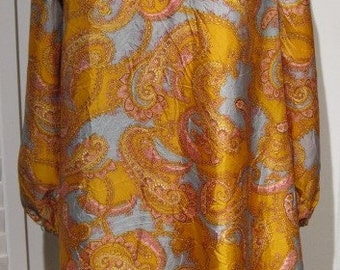Vintage 1960s Gold, Light Blue-Gray, and Pink Long-Sleeved A-Line Paisley Short Dress
