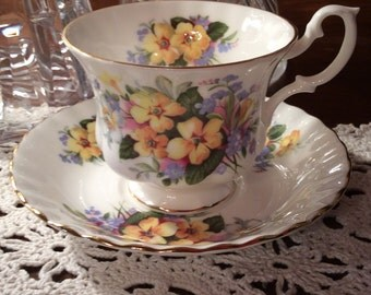 Vintage Royal Albert cup & saucer Summertime series pattern bone china very nice