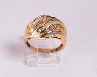 14K Yellow Gold Ring with 0.75ct. tw. Baguette Diamonds, size 7.5