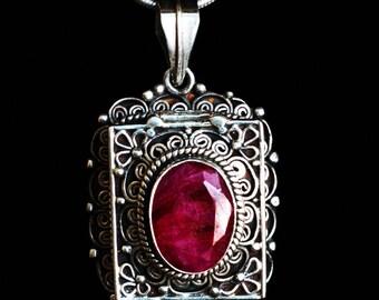 Ruby Silver Pendant Gau