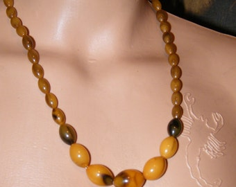 Vintage Art Deco ButterScotch EggYoke Bakelite Necklace