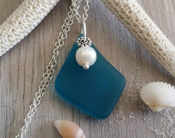 Handmade in Hawaii, Teal blue ea glass necklace , Sterling silver chain, Fresh water  pearl, Gift box. Beach glass jewelry.