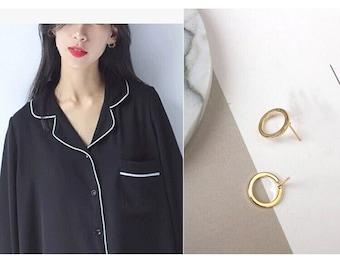 Circle Earrings, golden circle clip on earrings, customize Non Pierced Earrings, Comfortable Clip on earrings