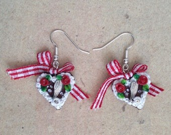 Heart earrings, with wings in red checkered