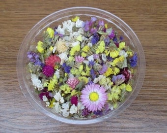 Dried flowers, dried statice, dried flowers for jewellery, florist supply, DIY supply, dried flower confetti, flower toss
