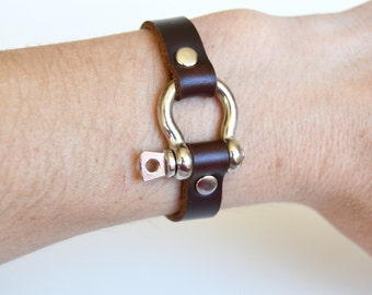 Shackle Leather Bracelet: Dark Mahogany Brown Leather Cuff With Silver Screw In  Horse Shoe Shackle