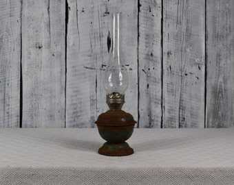 Antique oil lamp / Kerosene lamp / Vintage oil lantern / Old oil lamp / Antique oil lantern / Farmhouse country decor / Country chic