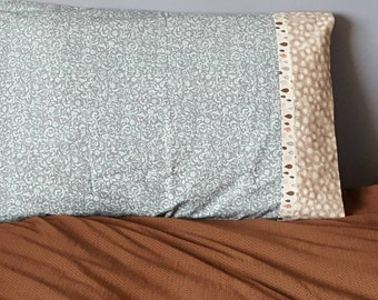 Blue and raindrop standard pillow case