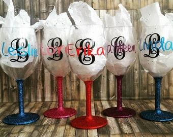 Glitter Wine Glasses-Custom wine glasses-Personalized Wine Glass-Glittered Wine Glass-Monogrammed Wine Glass-Glitter Monogram-Gift for Her