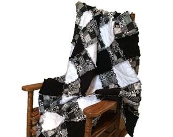 Black & White Rag Quilt