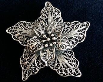 Filigree Brooch Flor de Amor, Sterling Silver Brooch, Flower Brooch, Filigree, Filigrana Cordobesa, Crafsmanship, Handmade, Gift Idea