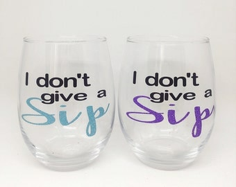 Personalized wine glass / Stemless wine glass / Custom wine glasses / Bridesmaid gift / Wine glasses / New mom gift / Gifts for her