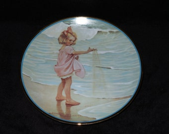 """1984 Hamilton Collection A Garden of Verses """"Little Drops of Water"""" Collector Plate by Jessie Willcox Smith"""