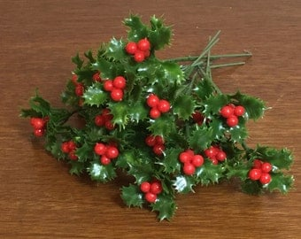Set of 20 Vintage Christmas Craft Holly Picks / Floral Supplies / Multiple Sets Available
