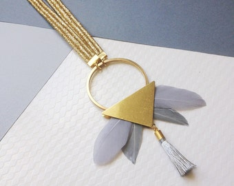 Light grey Totem necklace (brass, feathers) / statement necklace, feather necklace, fringe necklace, contemporary necklace