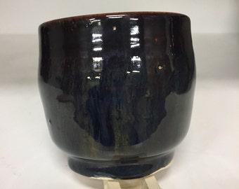 Large tea cup 33