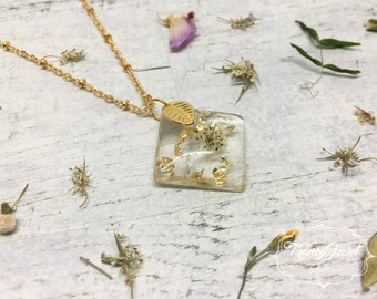 Valentine's gift, OOAK jewelry, gold necklace, unique flower necklace, dried flower resin pendant, real flowers jewelry, made in Italy