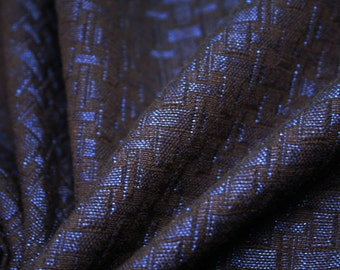 Refined cotton jacquard fabric with geometric embossed patterns
