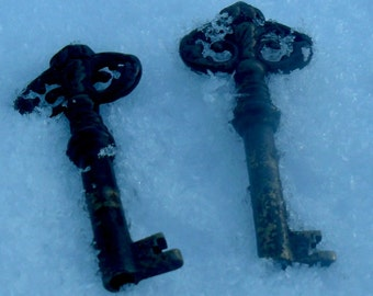 SALE~2 Antique German Brass Keys~Sweetheart Keys~Key to your hearts~Arts and Crafts~Jewelry Makers~Gothic~Romantic Gift~