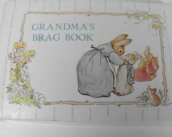Vintage Peter Rabbit Grandma's Brag Book Beatrix Potter  (1034)