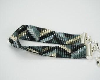 Glowing Fishbone   Bracelet width 1,5 cm