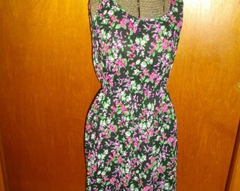 Vintage 1970's Womens Sheer Sleeveless Very Light Floral Dress