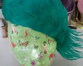 Fabulous 50s feathered hat