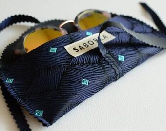 Handmade Vegan Sunglass Case (Blue/Black)