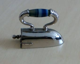 Novelty Iron Tape Measure, Silver Metal and Agate Handle