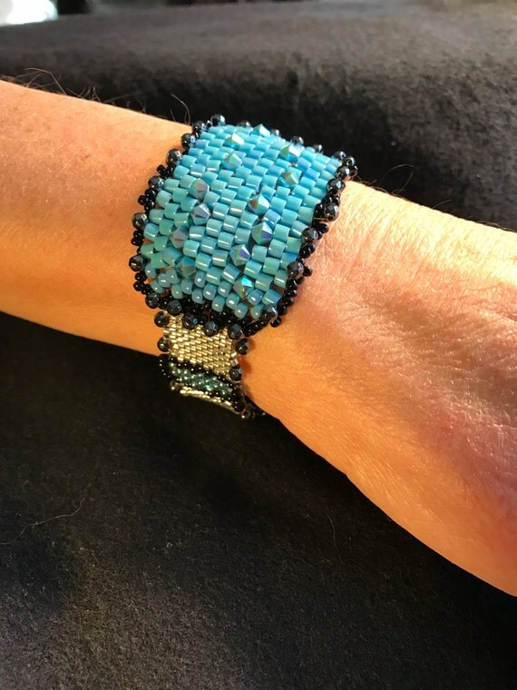 NO 143 Hand Beaded Crystal and Glass Bracelet