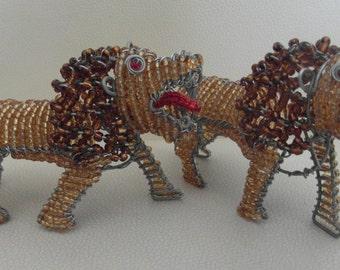 Löwe aus Massai-Perlen